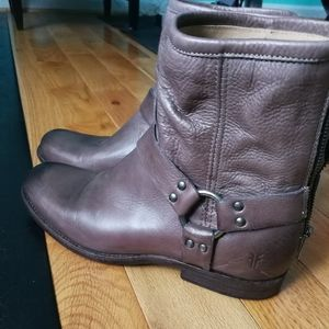 Frye Phillip Harness short boots